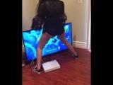 Никогда не позволяйте девушке прикасаться к вашему Xbox ?