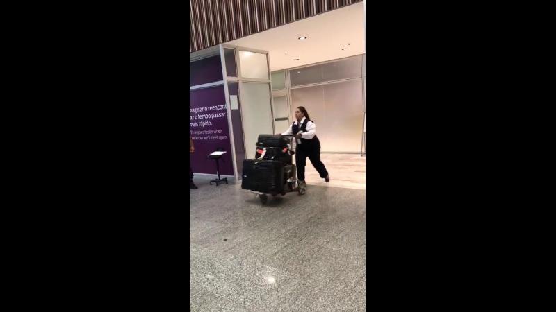 19 марта 2018; Рио-де-Жанейро, Бразилия: Лана приземлилась в аэропорту Галеан