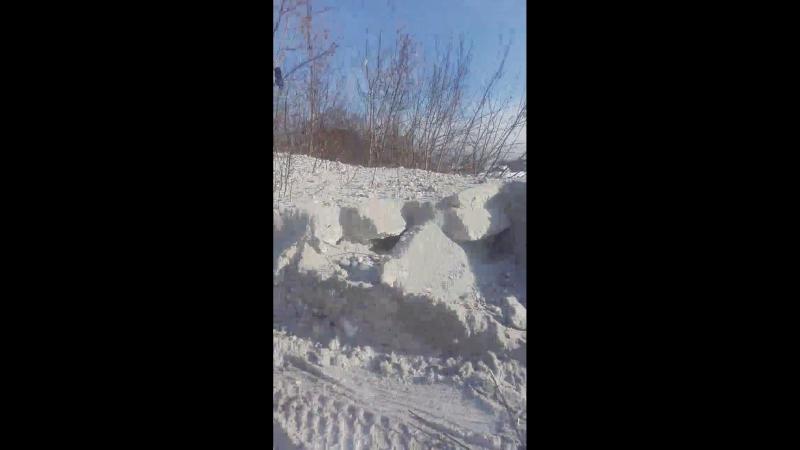 Дорожники организовали снегоотвал на улице Пионерской