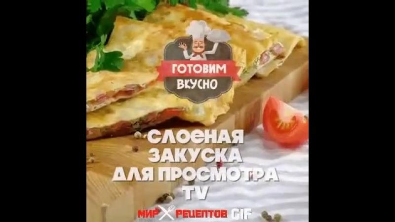 лаваш плавл сыр зелень колбаса сковорода