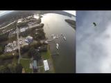 Американец начал свою свадебную церемонию, прыгнув с парашютом