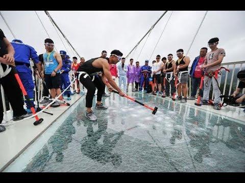 THE MOST TERRIFYING GLASS BRIDGE!FUNNY MOMENT.China Glass Bridge