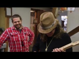 Ozzy and jack - world detour (cigar box guitars)