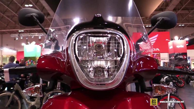 2018 Piaggio BV 350 Scooter - Walkaround - 2018 Toronto Motorcycle Show