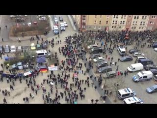 Немцы вышли на митинг против мигрантов В городе Котбус прошла массовая акция против мигрантов
