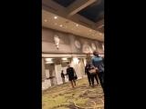 Джаред подходит к фанатам за конфетами | SPNNash NashCon 2018