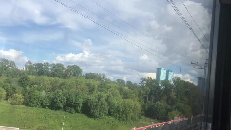 Я еду в электричке из г. Волоколамск в Покровское-Стрешнево.:)