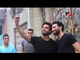 Mohamed Salah lookalike greets fans in Egypt!