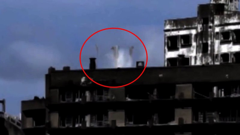 Unbelievable UFO Blasting Captuered From Cyria !! Shocking UFO Footage