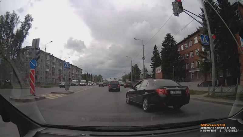 Омск 17.06.2018 ул.21 амурская проезд на красный
