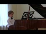 Глеб Молчанов -первое выступление в жизни на фортепиано в хоровой школе