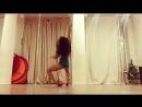 Круто танцует 💃🏻