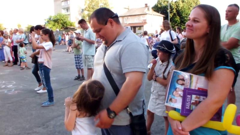 На Фестивалі сім'ї у Рожищі виступив переможець Голосу країни