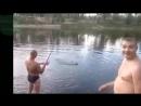 Приколы на рыбалке! Охота на рыбу