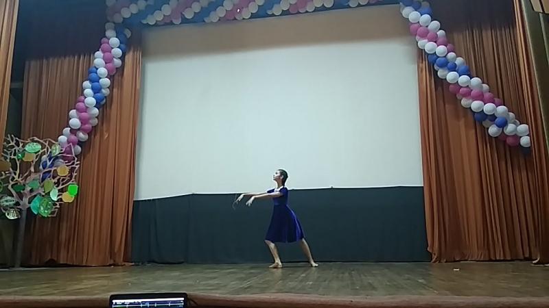 Маюша на дне танца (отрывок)