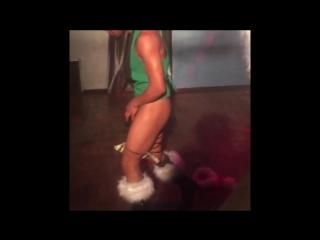 Prînce Cîroc is a Bi-Sexual male mode pornstar stripper