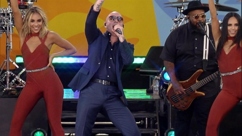 Pitbull - 'Echa Pa'lla (Manos Pa'rriba)' live in Central Park