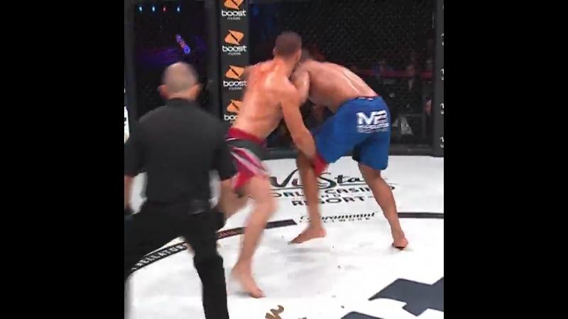 Bellator202 Valentin Moldavsky defeats Ernest James via KO/TKO at 4:03 of Round 2