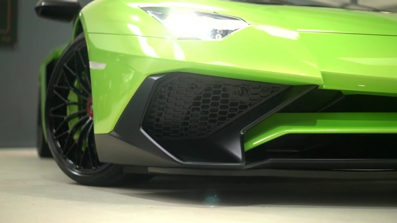 LAMBORGHINI AVENTADOR SV LP750-4 6.5 V12, ONLY 850 MILES, HUGE SPEC WITH GLASS ENGINE COVER