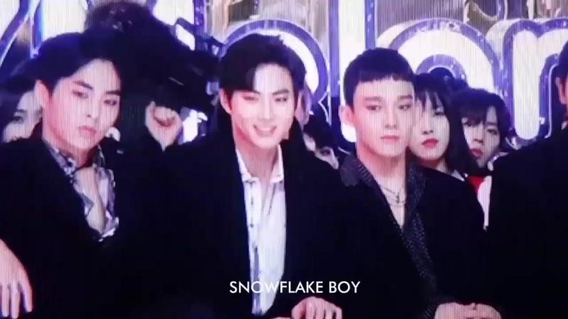 [FANCAM] 171202 Сухо на одной волне вместе с Twice @ 2017 Melon Music Awards