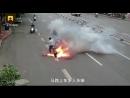 Неожиданный взрыв батареи на электроскутере