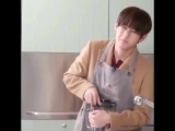 taehyung trying to open the blender its me trying to solve my problems -