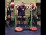 Люк Ричардсон - присед 350 кг на 2