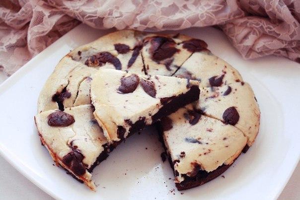 Шоколадно-банановый брауни-чизкейк