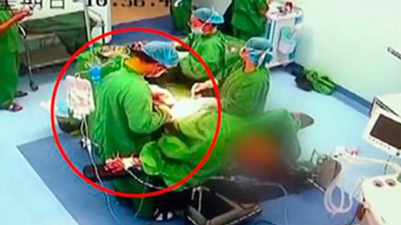 Хирургу вырезают аппендицит, пока он БОЛЬНОМУ делал операцию НА СЕРДЦЕ