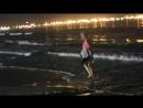 вечерняя прогулка по берегу испанского моря