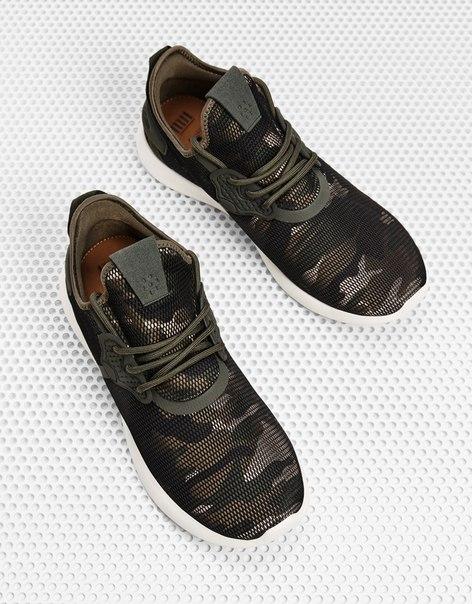 Мужские кроссовки из сетчатой ткани с камуфляжным принтом