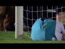 Вратарь отбил все 5 пенальти собственным лицом Funny penalties