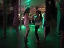 Девочки танцуют бачату в Добром кафе