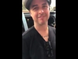 Billie Joe Armstrong sending a message for fan in Argentina