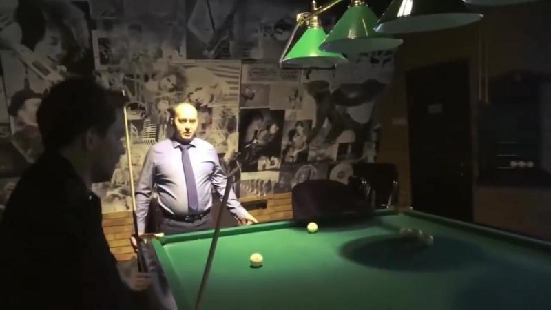 Полицейский с рублевки Яковлев и Измайлов играют в Бильярд 18 (adblast)