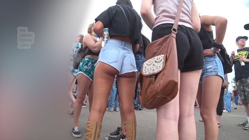 Candid teens nice asses in shorts
