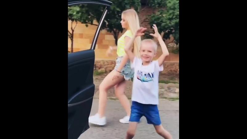 Танец Виталины.
