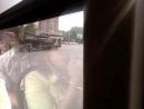 Танк Т-90 на тягаче снято с автобуса