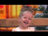 Арина Зенкина (2 года) поздравляет россиян с Новым годом и учит танцевать лучше всех 02.01.18