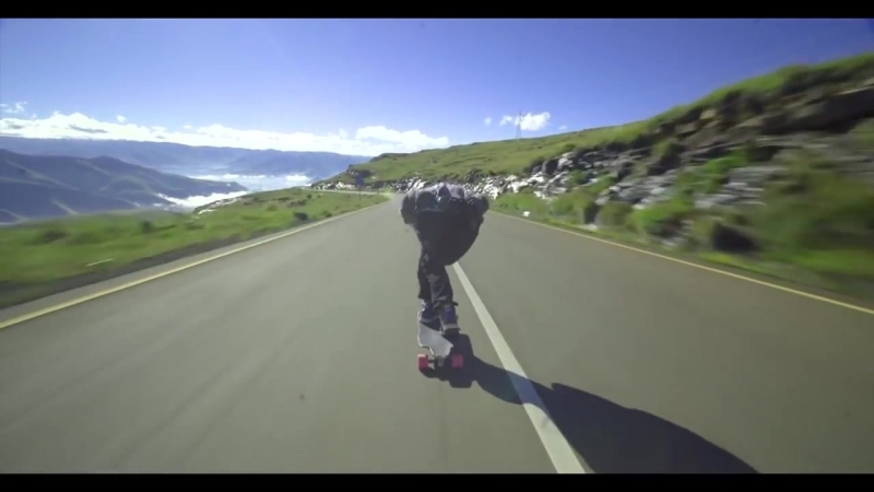Epic downhill longboarding on higest speed Gravity Dogz