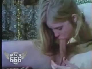 Спарма полилась через нос видео