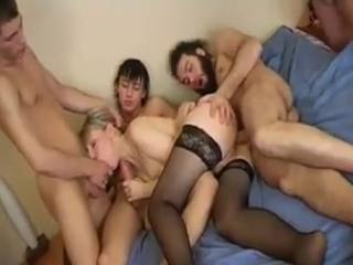 Порно мамки толпа, порно очень худеющих дам мастурбируют себе дырки