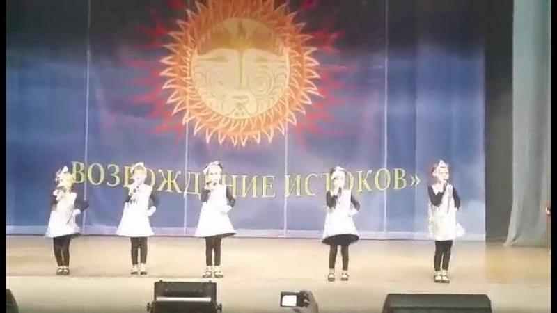 Робот бронислав поёт млд.группа ЛЕГЕ-АРТИС