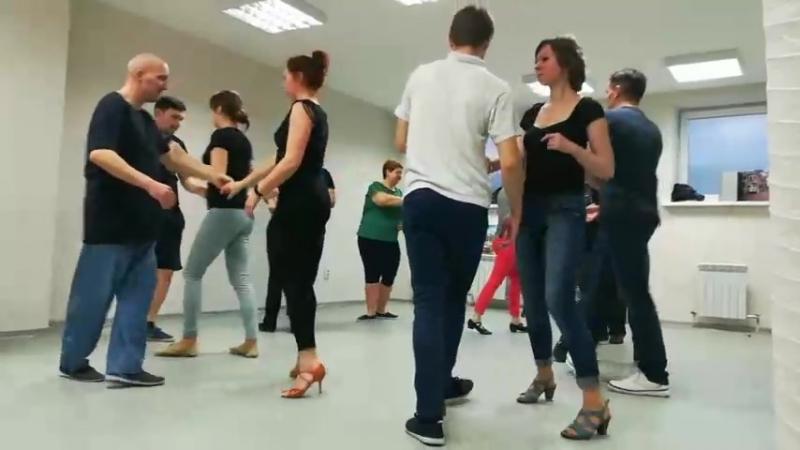 Студия танца Мамболео. Учимся танцевать руэду.