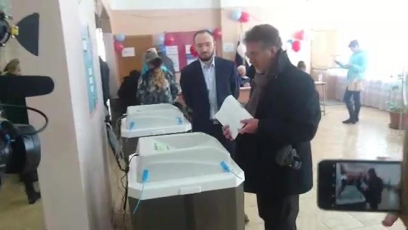Леонид Ярмольник проголосовал в Барвихе.