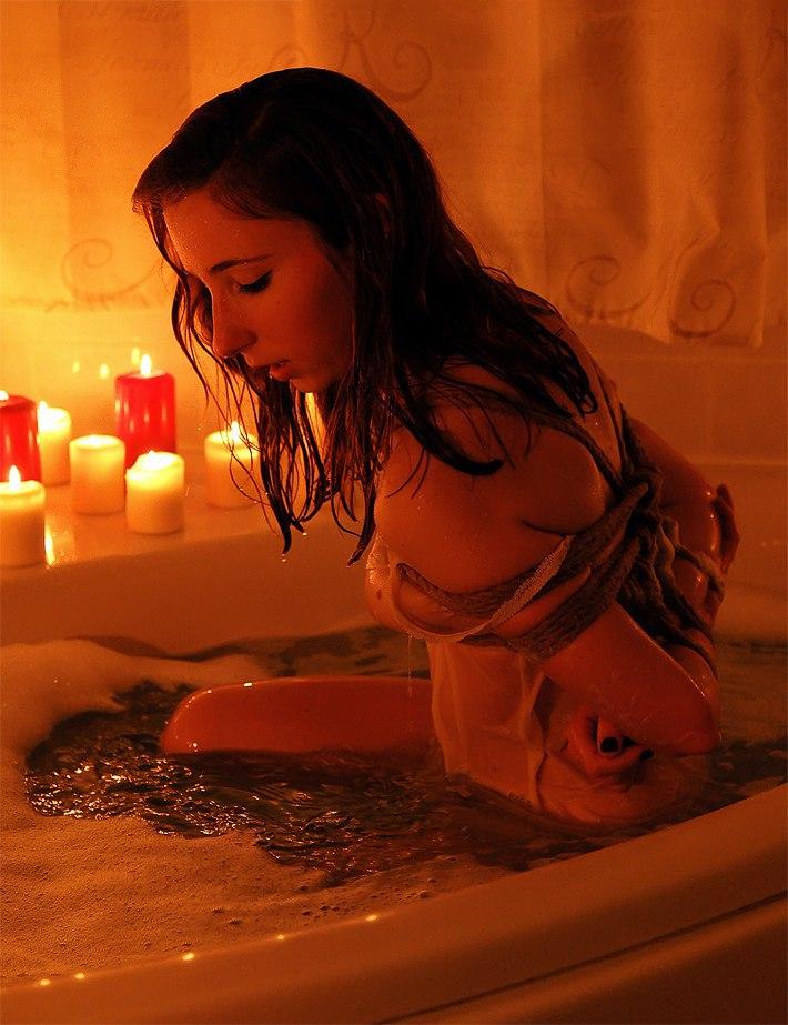 Секс в ванной со свечами 5