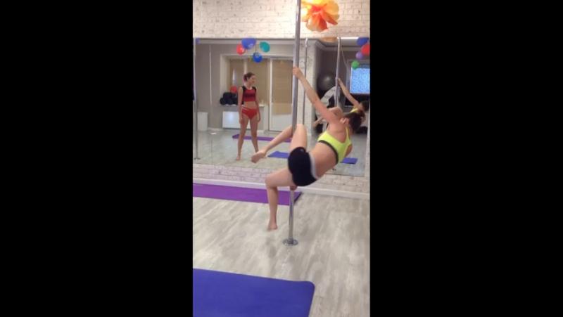 Pole Dance в Yoga Room