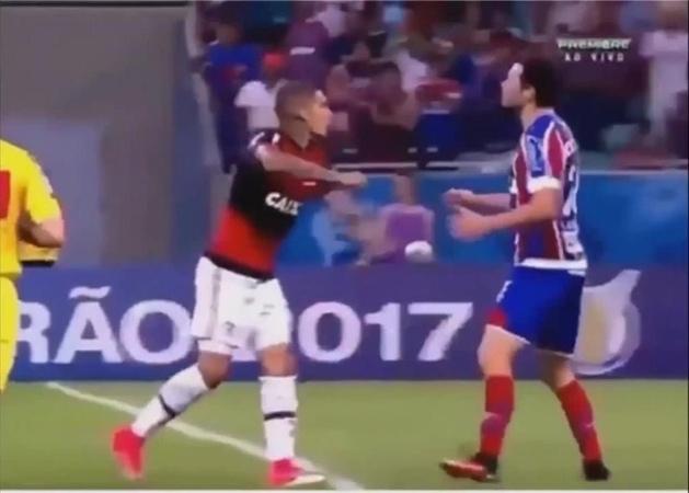 Бесконтактный бой в футболе!
