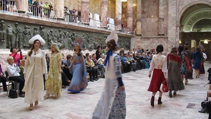 VI Международный фестиваль войлока «ФелтФЕСТ» в Санкт-Петербурге.Мое валяное платье Снегурочка в дефиле моделей спецпроекта Русс