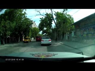 Олень на улицах Симферополя